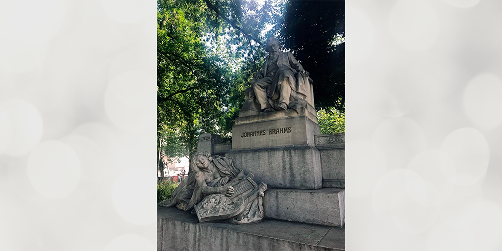 Statue of Johannes Brahms